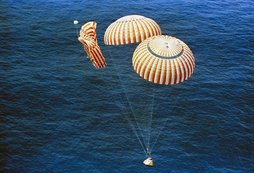bulova-moonwatch-re-edition-fly-me-to-the-moon-apollo-15-splash