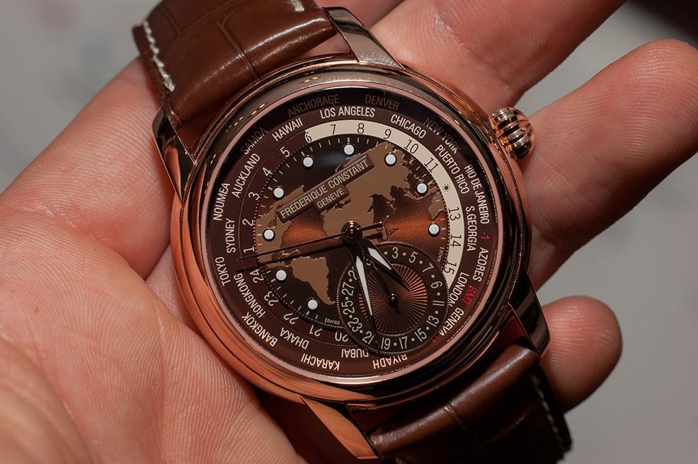 frederique-constant-classic-worldtimer-manufacture-fc-718-hands-on-einstieg-01