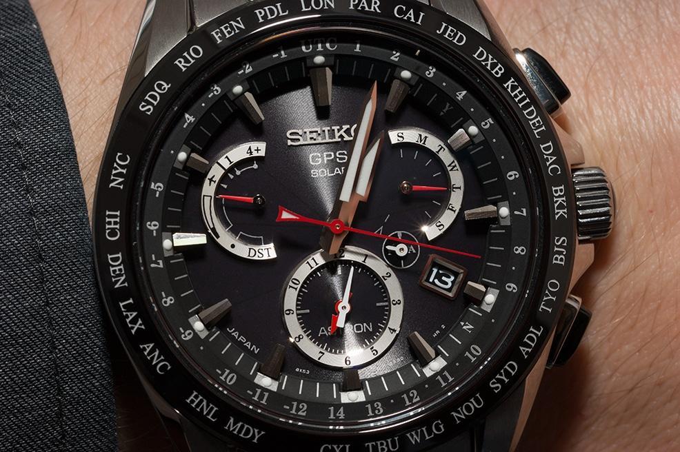 Optisch eine Wucht: markante Kontraste und ein glasklares Uhrenglas - die Seiko SSE041J1 begeistert sofort