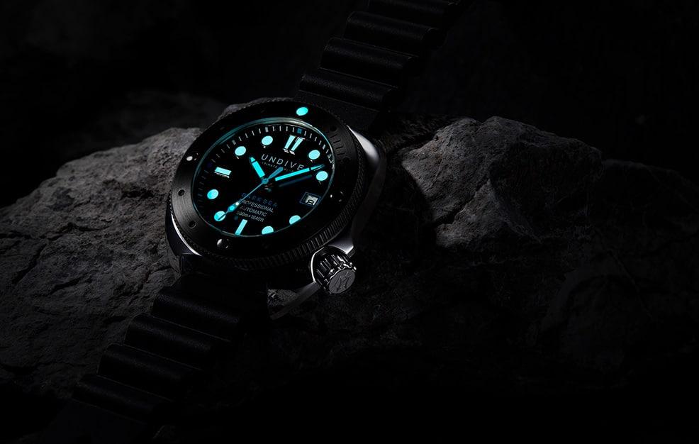 vorstellung-der-undive-watches-dark-sea-500m-einstieg-02