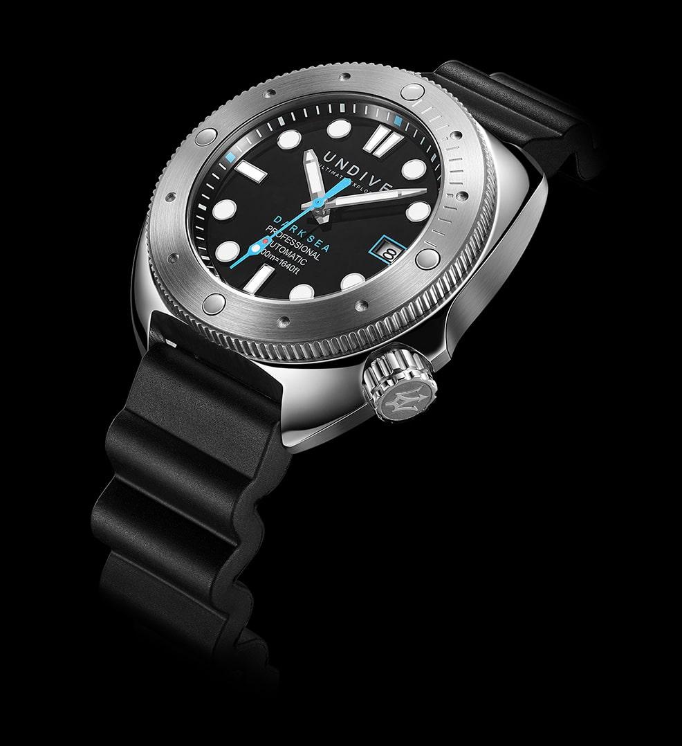 vorstellung-der-undive-watches-dark-sea-500m-einstieg-06